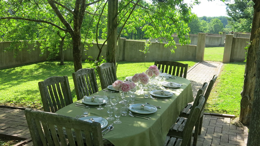 Table setting for orchard dinner