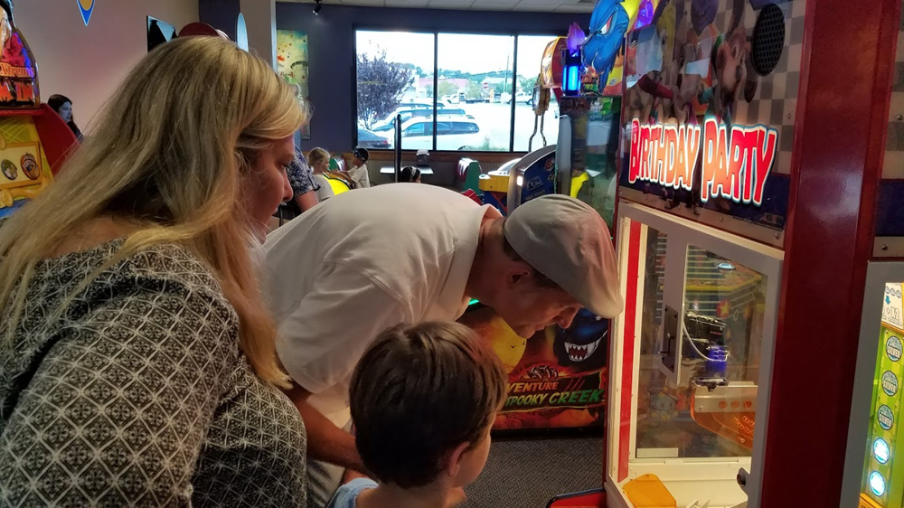 Chuck E. Cheese - a first for Uncle Keith