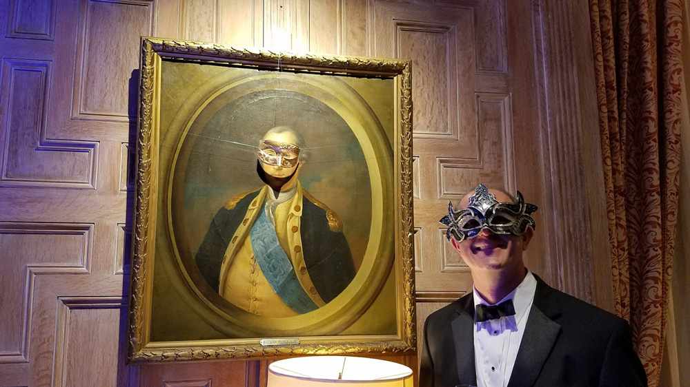 Even George Washington has a mask