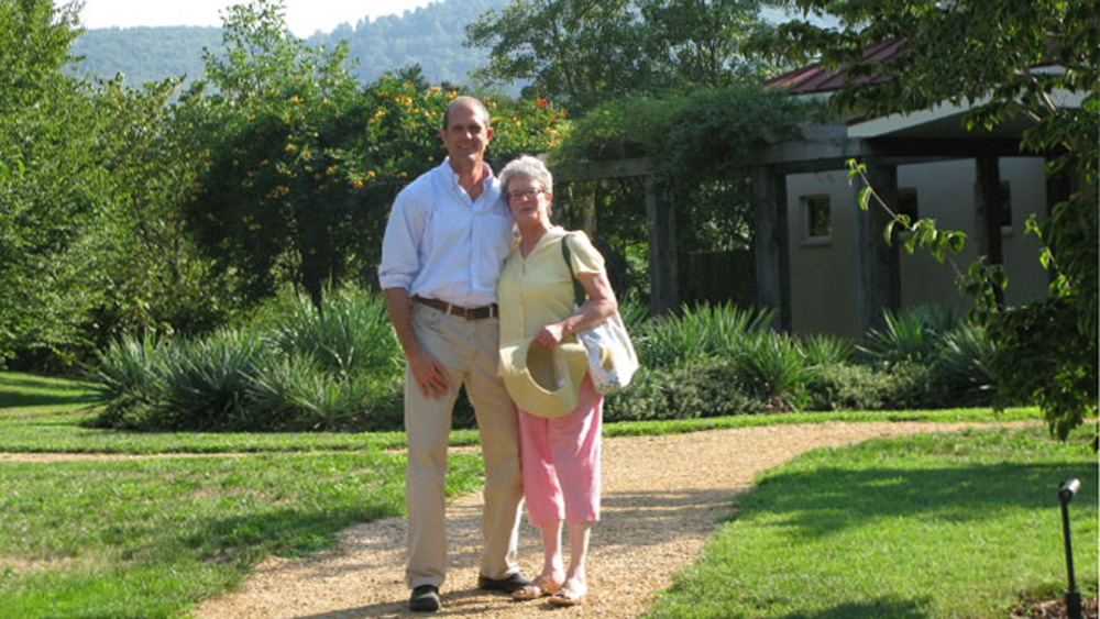 Keith and Yvonne at Whitehall Vineyards
